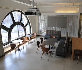 This unique conference space features expansive views of NYC and the comfort and style of a Duraamen resurfaced concrete floor. (thumbnail)