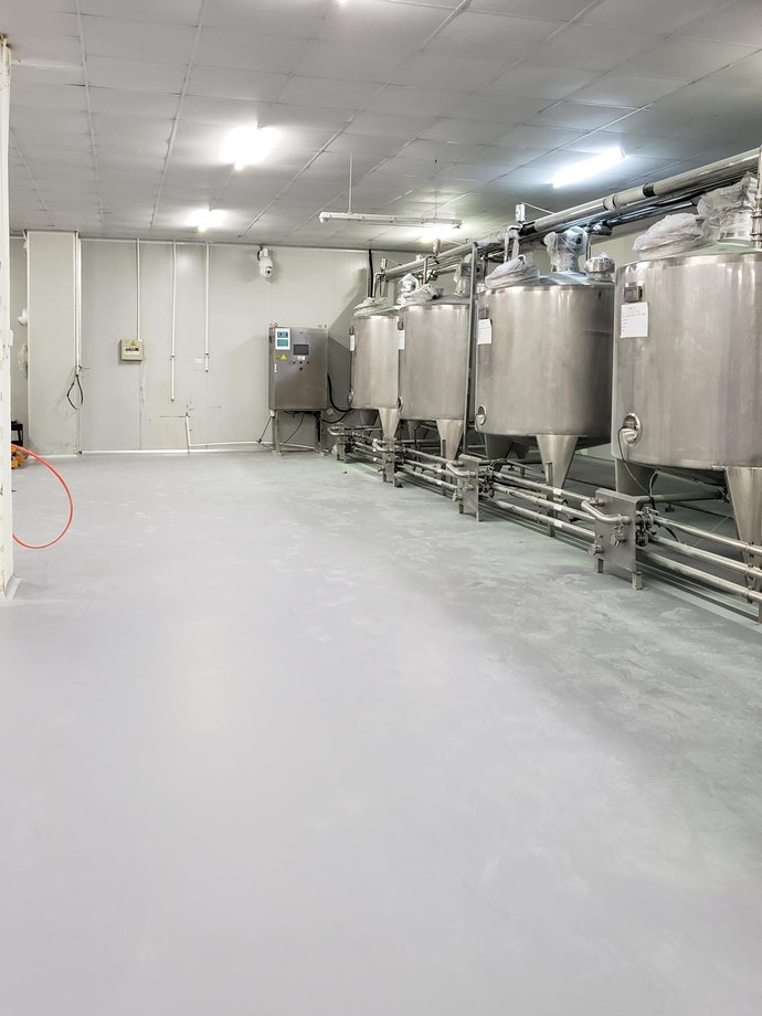 Urethane concrete coating in an industiral food facility