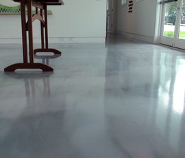 The modern looking floor suggests clouds do the monochromatic blue-gray-green color mix. (thumbnail)