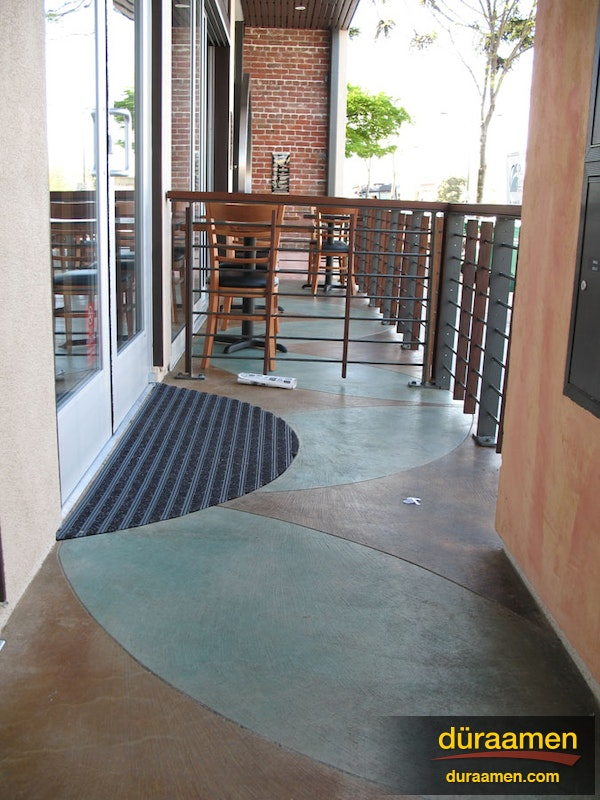 Examples of exterior concrete resurfacing and stamped concrete for Microtopping costi
